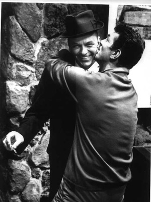 Sinatra&DeanKissing.jpg